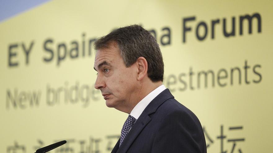 Zapatero llega a Caracas en un viaje organizado por Unasur para intentar rebajar la tensión