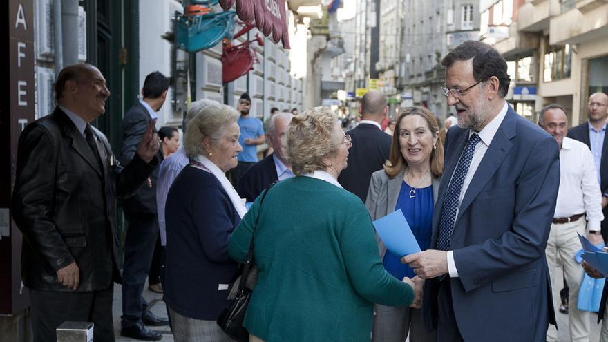 Mariano Rajoy con Ana Pastor en Pontevedra