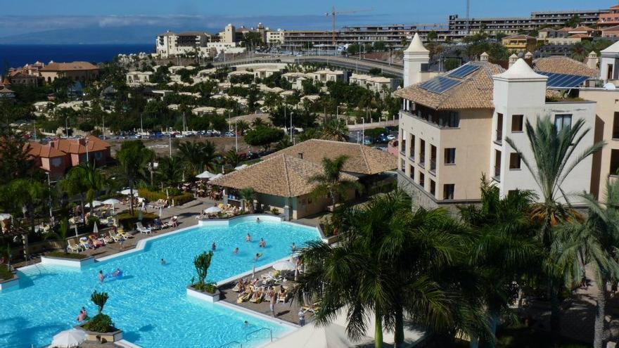 Zona con hoteles de alta calidad, en Costa Adeje (Tenerife) WEBTENERIFE.COM