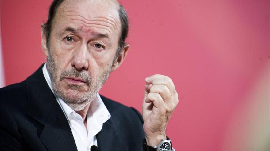 El PSOE reúne a su Ejecutiva para perfilar la estrategia política del 2014