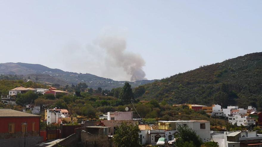 Incendio en Valleseco visto desde San Mateo.