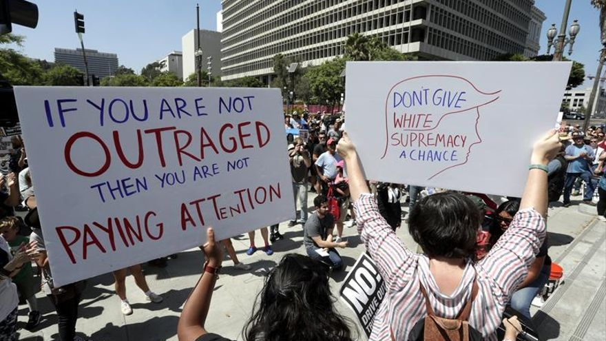 Un joven agredido en Charlottesville, declarado no culpable de agredir a un neonazi