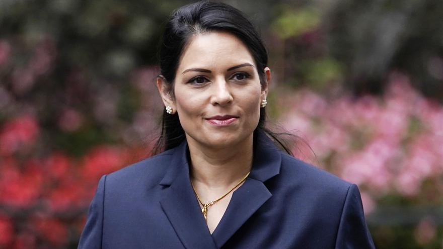 La ministra de Interior británica incumplió normas sobre trato a subordinados