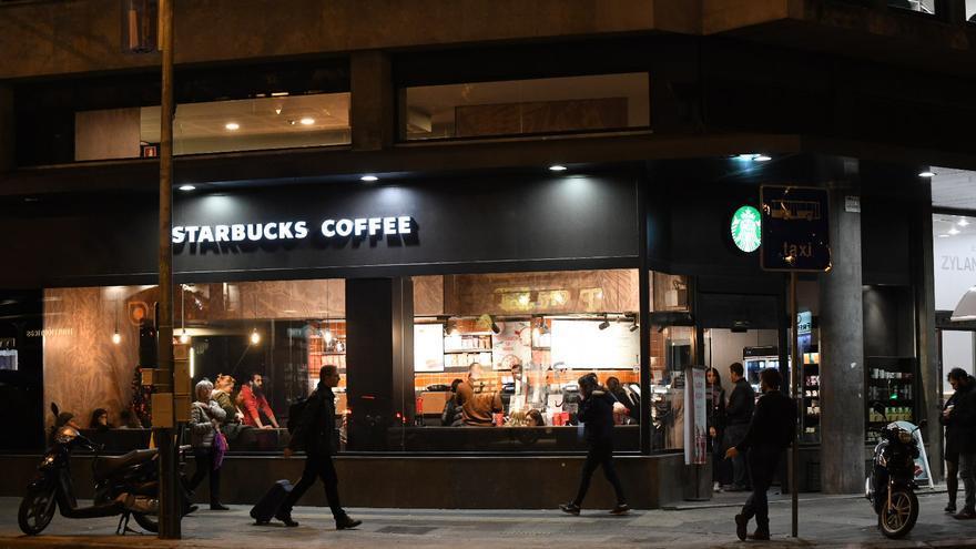 La cafetería Starbucks que fue quemada en el centro de Barcelona durante la huelga general de 2012