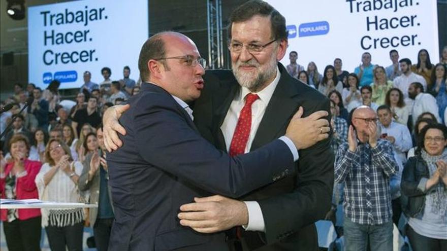 El ex presidente de Murcia, Pedro Antonio Sánchez, junto a Mariano Rajoy