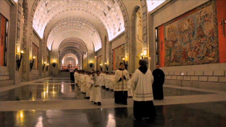 El interior de la basílica, captura del documental 'A la sombra de la cruz', de Alessandro Pugno.