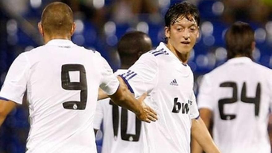 Benzemá rescata con dos goles al Real Madrid