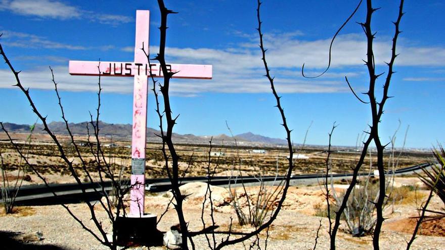 Ciudad Juárez figura como un punto negro de violencia en el país, donde desde los años noventa, cientos de mujeres han sido secuestradas, violadas y desaparecidas en la urbe fronteriza con Estados Unidos. / Javier Molina.