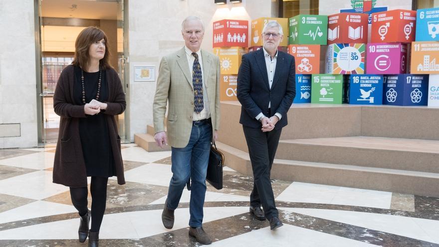 El relator de la ONU sobre extrema pobreza visita Euskadi para conocer sus políticas contra la exclusión social