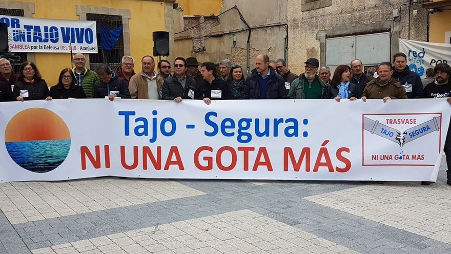 Movilización por el Tajo. Foto: Paco Alférez | Twitter