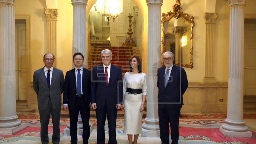 """España y China diseñarán """"una hoja de ruta"""" para impulsar sus relaciones"""