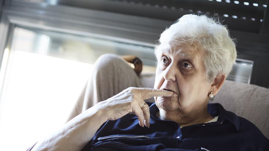 Ana Rodríguez, en su casa en Barajas