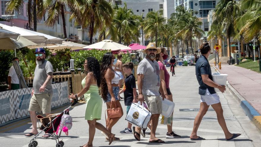 Miami-Dade, cada vez más alejado del resto de Florida en COVID-19
