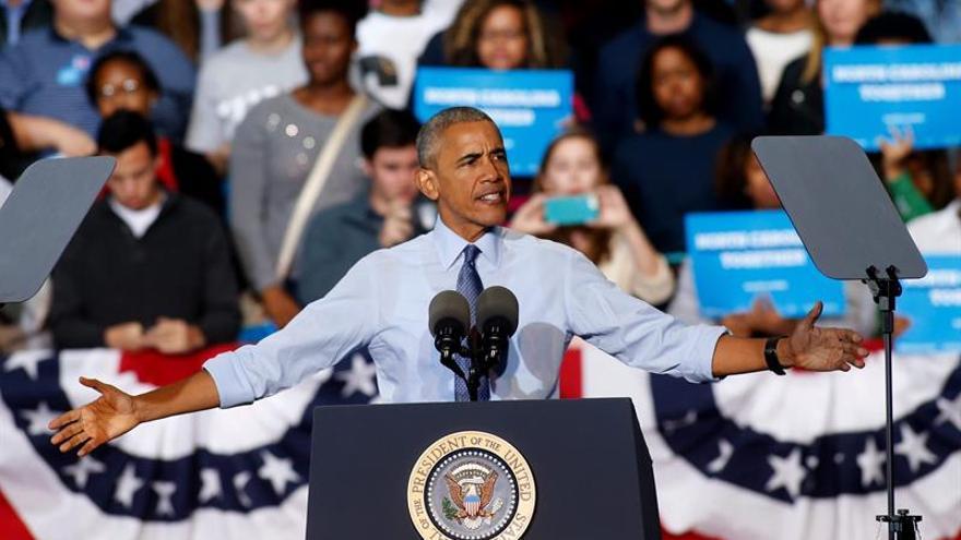 """Obama se vuelca en la campaña para evitar que alguien """"no apto"""" presida EE.UU."""
