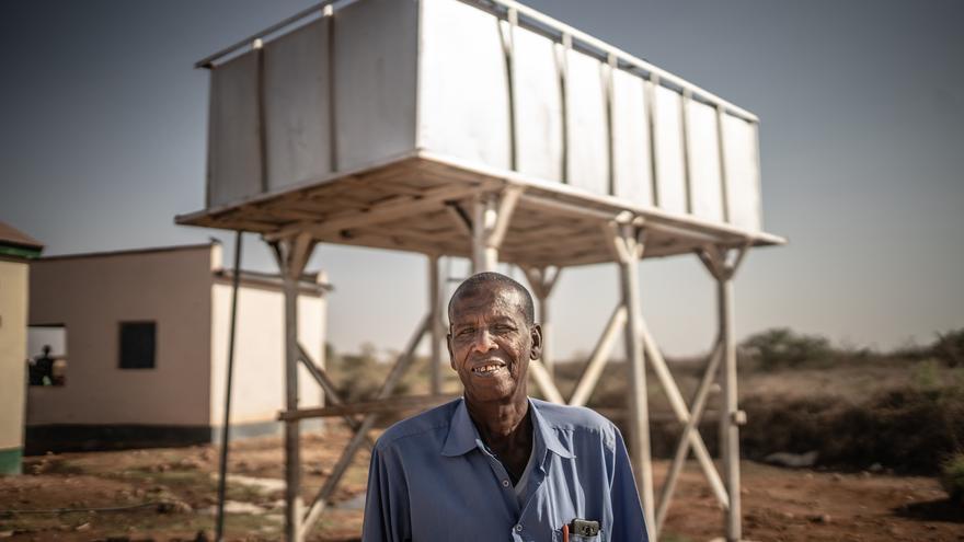 Magamat es el responsable de la unidad de desalinización de la comunidad de Eilmidgan. Foto: Pablo Tosco / Oxfam Intermón
