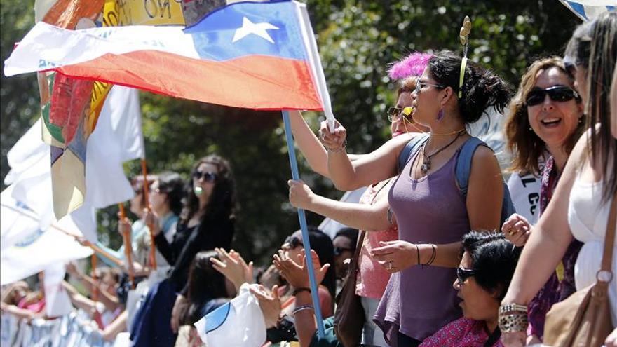 Cifran en 12.000 los trabajadores chilenos de la salud en huelga