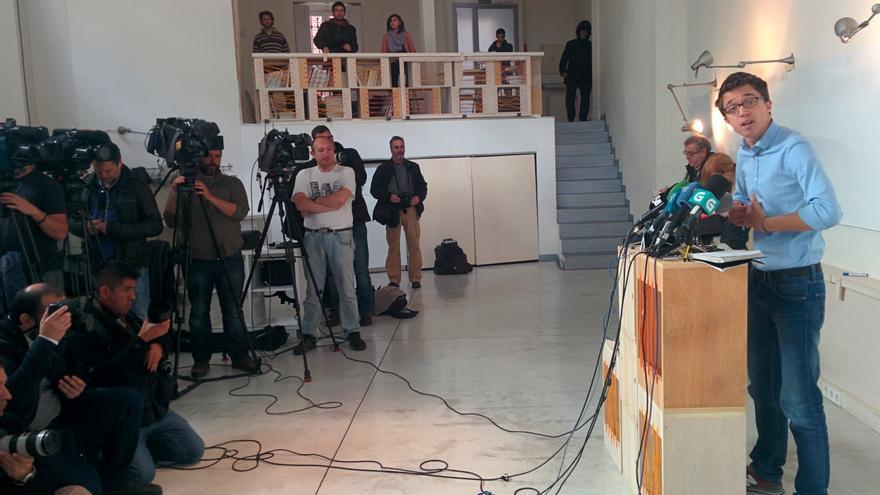 Iñigo Errejón, durante la rueda de prensa tras la primera reunión del Consejo de Coordinación de Podemos. / A. R.
