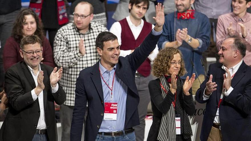 Pedro Sánchez y Ximo Puig en la inauguración de la conferencia autonómica del PSOE