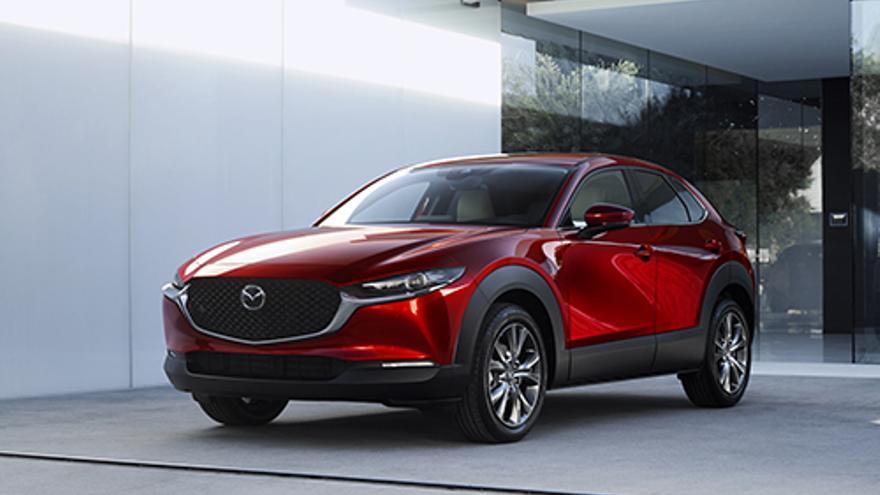 Por dimensiones, el Mazda CX-30 se sitúa entre los dos todocamino ya existentes en la gama, el CX-3 y el CX-5.
