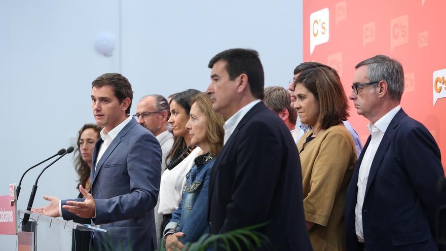 Rivera, dispuesto a mediar entre PP y PSOE, subraya que solo ellos pueden permitir que se forme Gobierno