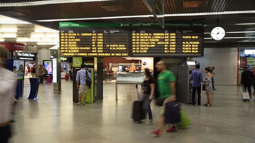 Fomento destina 226 millones para el déficit de cercanías y líneas regionales