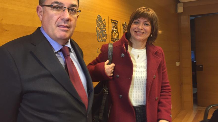 Empar Marco amb el president de les Corts Valencianes, Enric Morera.