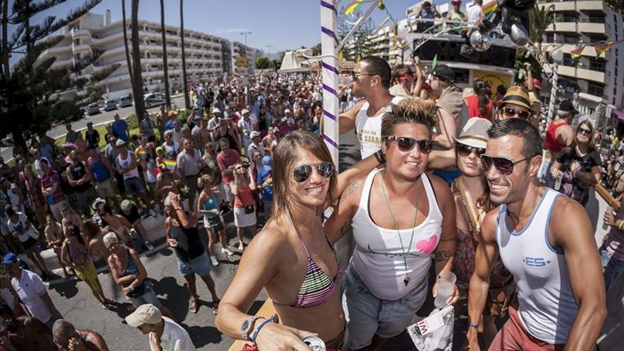 Más de 60.000 personas celebran el Orgullo Gay en Maspalomas (Canarias)
