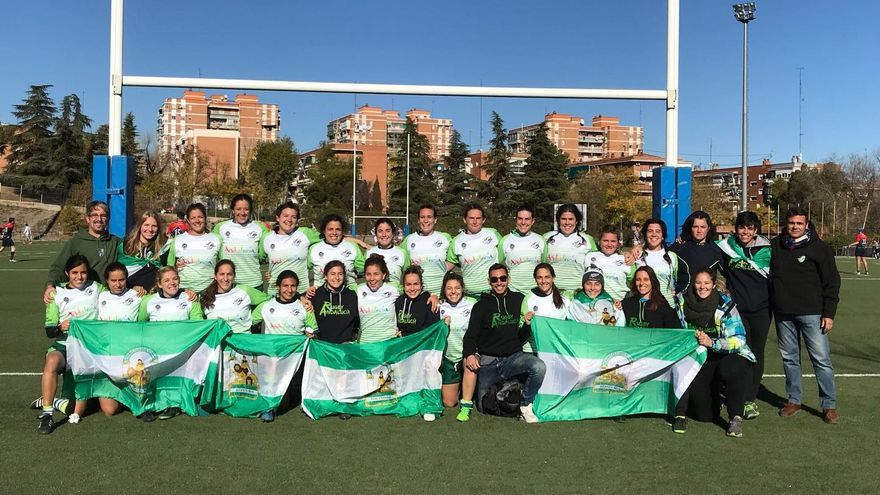 La selección andaluza de rugby posa tras llevarse el bronce en el campeonato de España