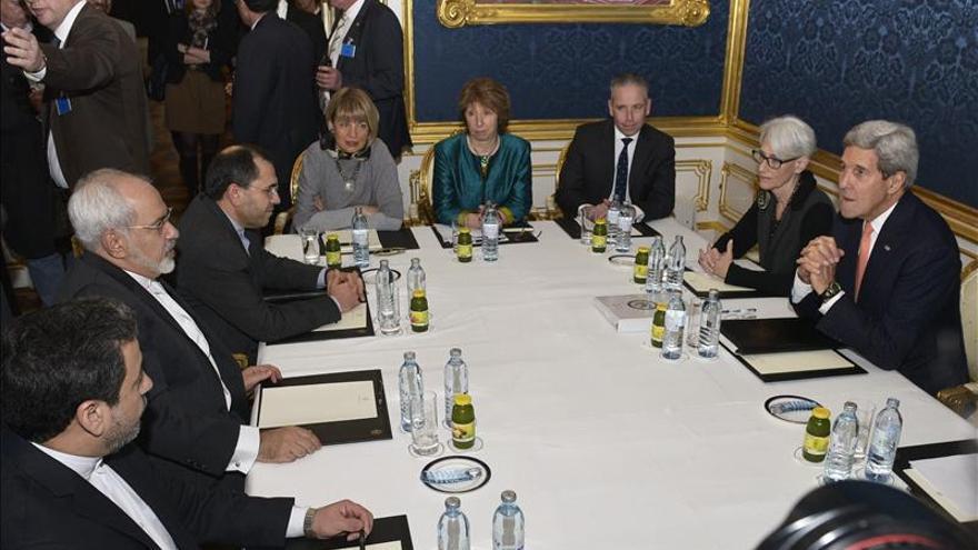 Sigue la negociación nuclear iraní, a tres días de fecha límite para acuerdo