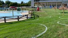 División en parcelas para garantizar la distancia de seguridad en las piscinas de Vitoria