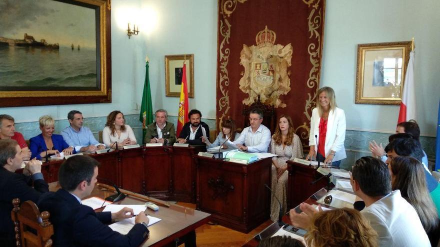 Pleno de investidura del Ayuntamiento de Castro Urdiales.   R.A.