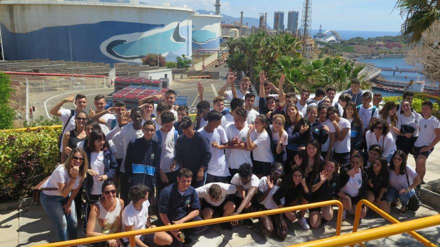 Alumnos que ya han realizado la visita a la refinería de Santa Cruz