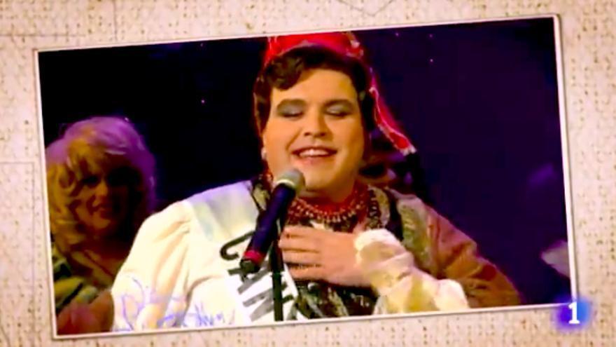 Lorenzo Caprile recordó su participación como Miss Cantabria en un certamen de travestis de La 2