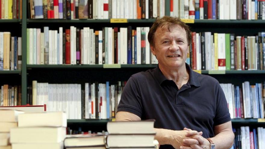 """Vicente Muñoz Puelles, Premio Anaya de Literatura con """"La voz del árbol"""""""