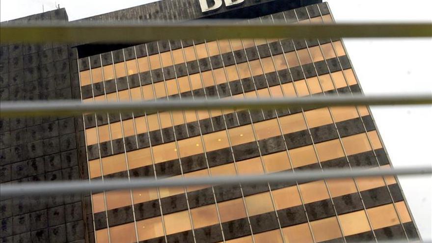 El BBVA dice que la recesión ha tocado fondo y prevé un nuevo alza del PIB
