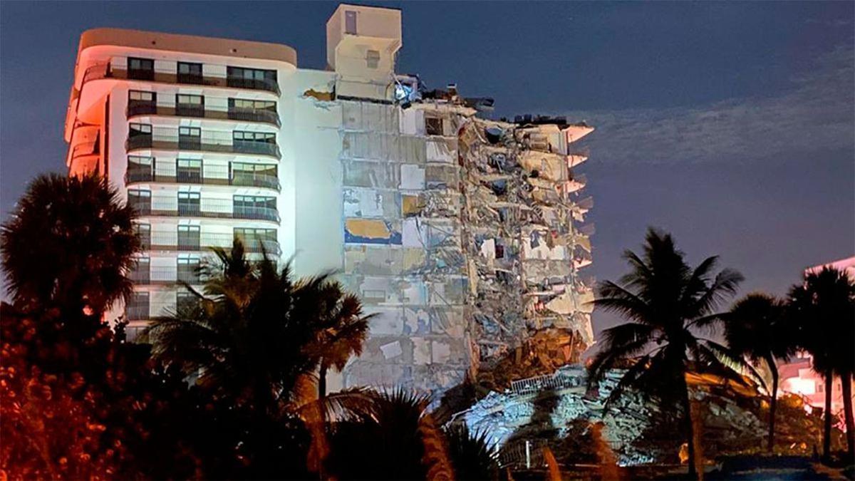 El complejo de edificios Champlain Towers que se derrumbó en Miami