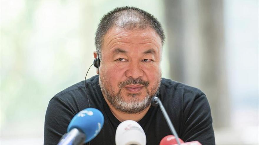 Condenan a 12 años de cárcel al abogado de Ai Weiwei y a otros activistas