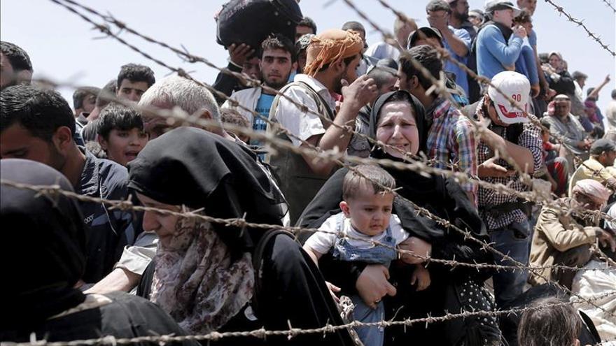 Unos 23.000 refugiados sirios que huyeron de Tel Abiad llegaron a Turquía, según la ONU