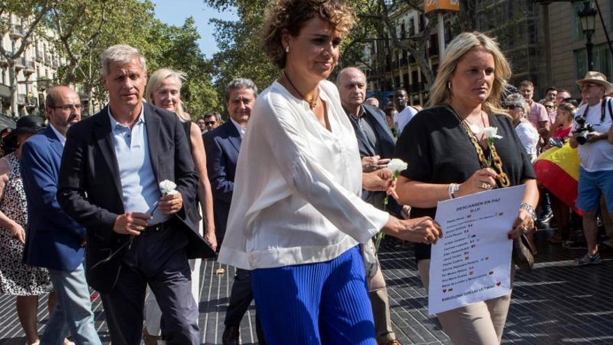 """El PP apela a la unidad de los demócratas y pide a Sánchez que abandone la """"equidistancia"""""""