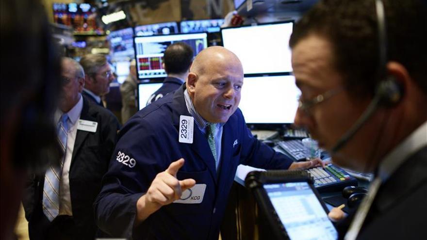 Wall Street abre al alza y el Dow Jones sube un 0,46 por ciento