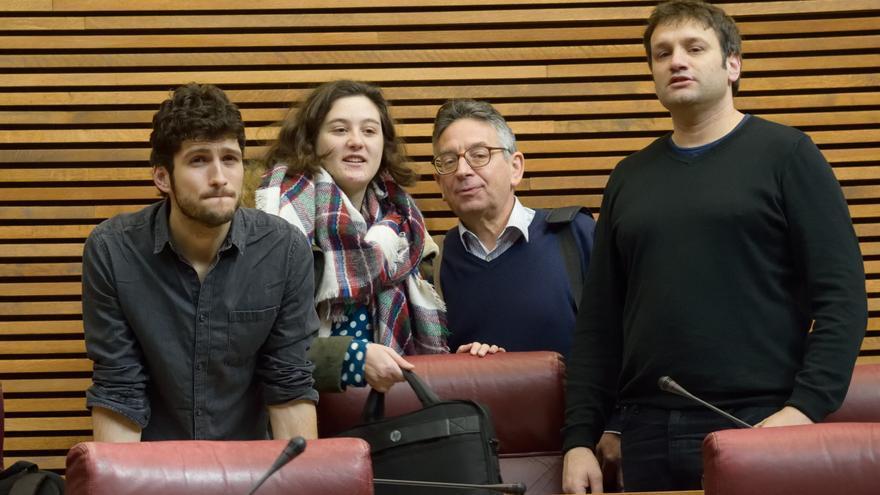 Los diputados de Podemos Antonio Estañ, Cristina Cabedo, Daniel Geffner y Cèsar Jiménez en las Corts Valencianes.