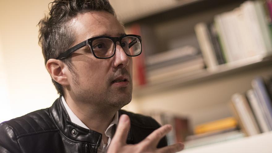 Patricio Pron durante la entrevista con eldiario.es