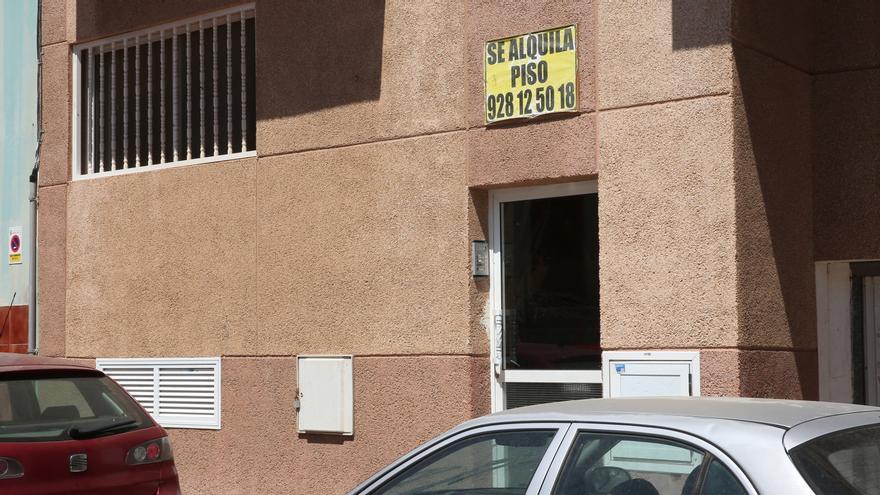 Cartel de 'Se alquila' en Gran Canaria.