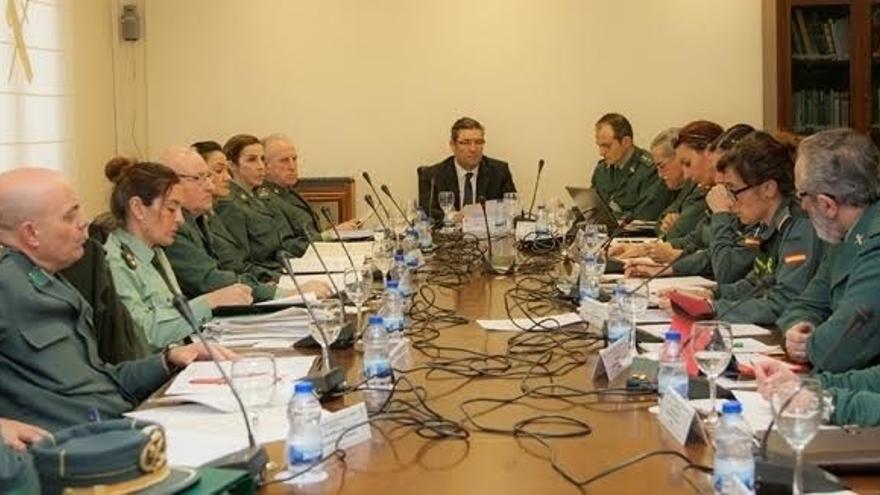"""Holgado promete """"especial sensibilidad"""" con las propuestas a favor de la igualdad en la Guardia Civil"""