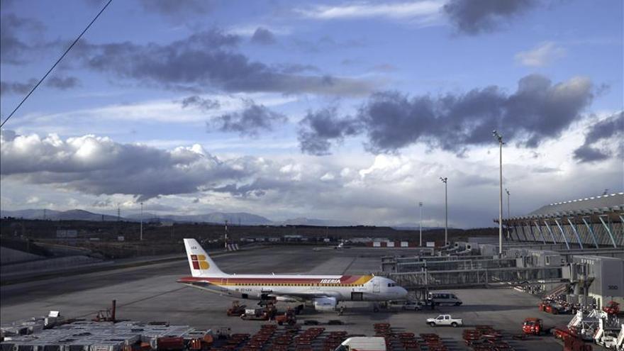 Aeropuertos de Aena perdieron un 7,4 por ciento de vuelos y un 3,6 por ciento de viajeros en 2013