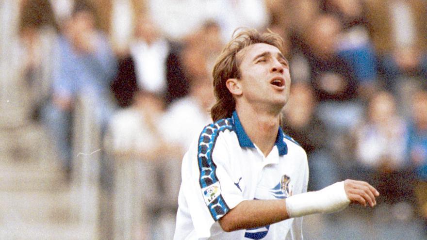 Juanele, uno de los jugadores destacados del CD Tenerife de la década de los 90 del siglo pasado.