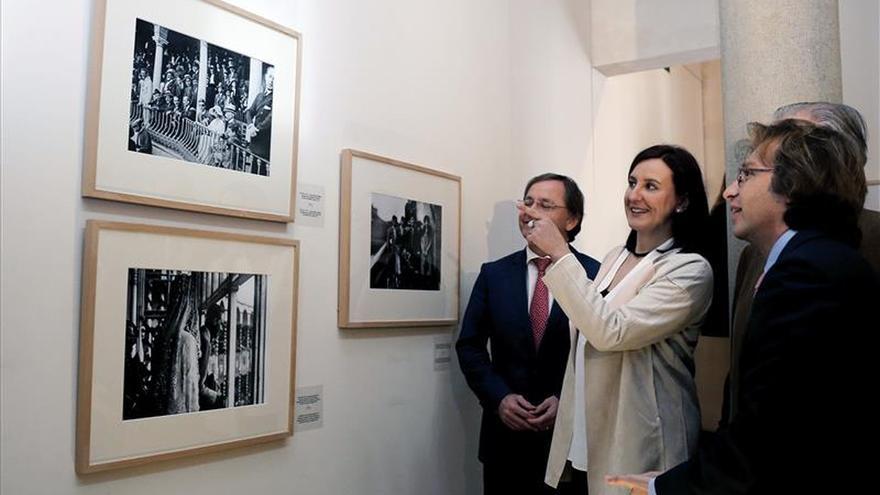 Una exposición taurina, sin toros, revisa con fotos de EFE la sociedad del XX