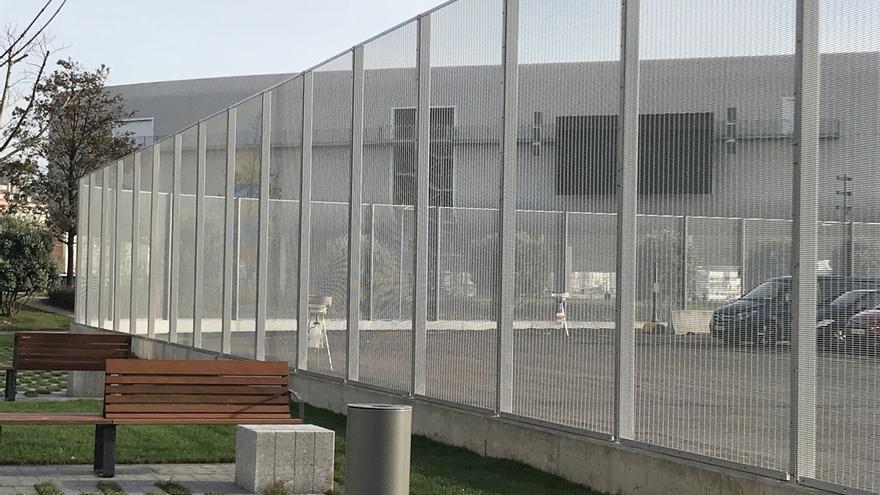 La nueva valla del Puerto ya está instalada en el entorno de la estación marítima