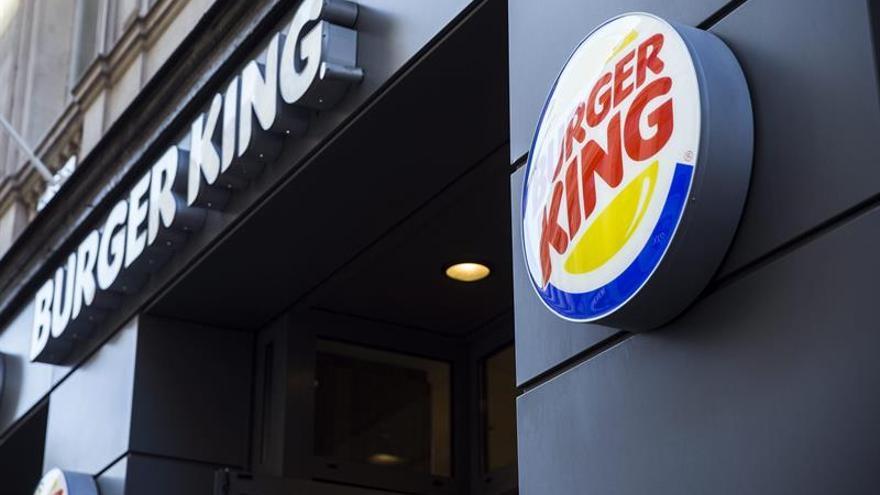 """""""Las mujeres pertenecen a la cocina"""": el polémico tuit de Burger King en pleno 8M"""