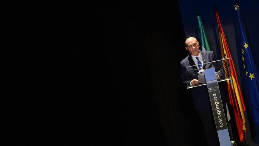 Fernández Díaz censura dar lecciones de inmigración desde los despachos de Centroeuropa
